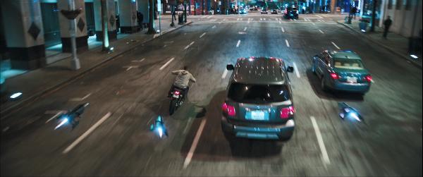 Cảnh mạo hiểm trong phim khiến khán giả thót tim.