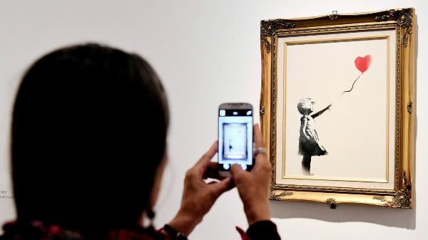 Bức tranh được bán với giá 1,4 triệu USD.