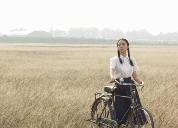 Vẻ ngoài thanh khiết của cô khiến Trương Tịnh Sơ được lòng khán giả.