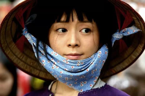 Trương Tịnh Sơ trong phim Sông Hồng.