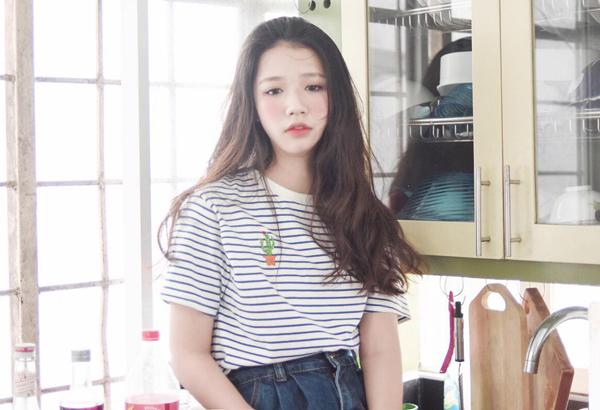 Nữ chính MV Hongkong 1: Mới 18 tuổi đã cực kỳ sexy - 7