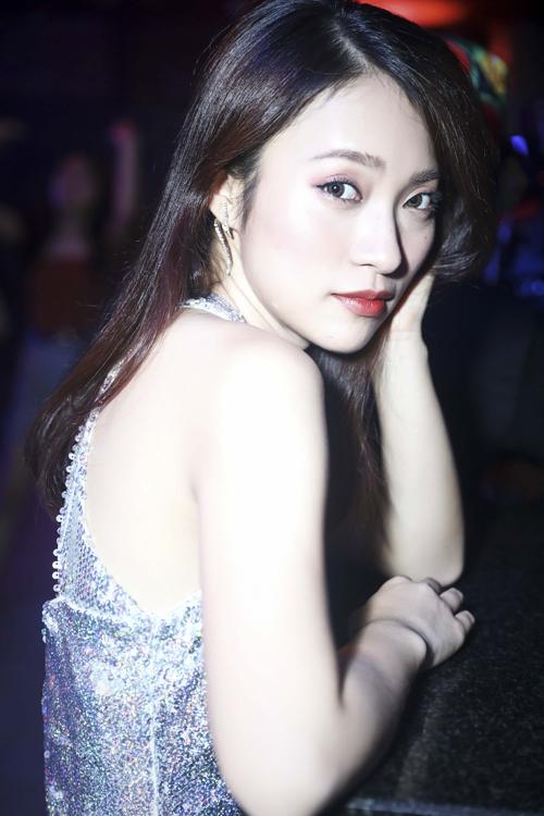 MV đánh dấu một bước lấn sân khá thành công của Khánh Vy trong lĩnh vực nghệ thuật.