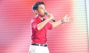 Cậu bé hát opera cao vút khiến 6 HLV điêu đứng, giành giật