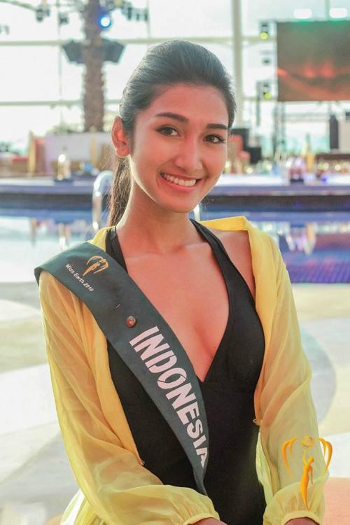 Mặt mộc của người đẹp Indonesia không được đánh giá cao. Nhan sắc 23 tuổi cũng không lọt top ứng viên tiềm năng do nhiều chuyên trang bình chọn.