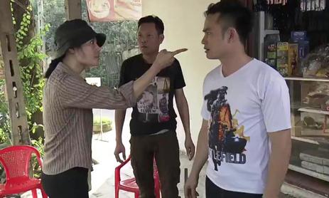 Thanh Hương 'vỗ đùi đen đét' khi xem Lan cave vác dao rượt đuổi nhà chồng