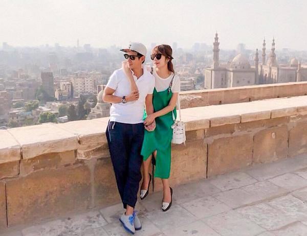 Hai vợ chồng Lý Hải - Minh Hà rủ nhau du lịch khắp nơi. Cặp đôi đang vi vu ở Ai Cập.