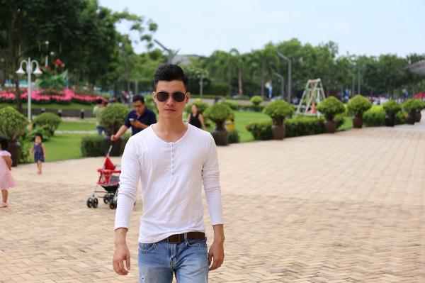 Trần Hồ Thanh Vân sở hữu vẻ ngoài điển trai, nam tính.