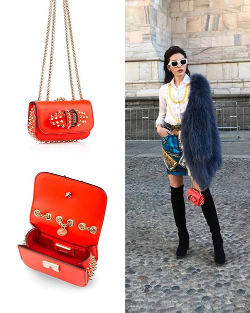 Số hàng hiệu này chủ yếu được Kỳ Duyên tậu về trong vài năm gần đây, khi cô chuyển hướng sang hình tượng high fashion hơn. Trong số đó có những chiếc gắn bó nhiều kỷ niệm với cô, ví dụ như chiếc clutch Louboutin từng theo người đẹp công phá Milan Fashion Week này.