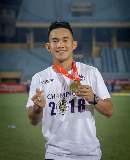 Cầu thủ trẻ Nguyễn Hồng Sơn.