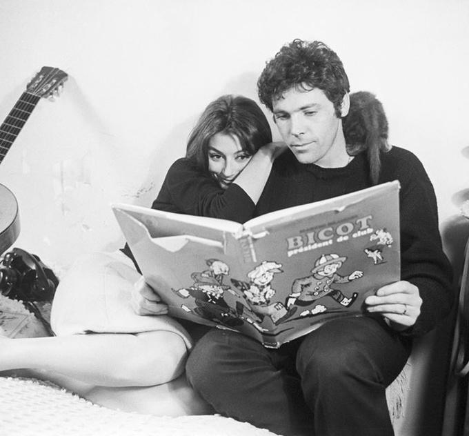 <p> Nữ diễn viên Anouk Aimé và nhạc sĩ Pierre Barou năm 1966.</p>