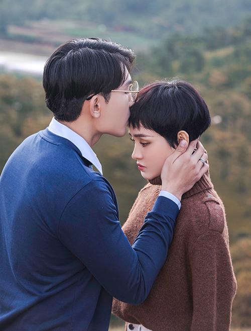 Hiền Hồ mang cảm xúc điên khi yêu vào MV mới đẫm nước mắt - 1