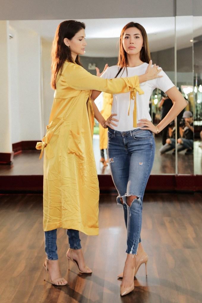 """<p> Chia sẻ về Minh Tú, siêu mẫu Cindy Bishop cho biết: """"Tú đang chuẩn bị cho một hành trình hoàn toàn khác so với trước đây là một cô người mẫu, một mentor tại Asia's Next top Model. Cô ấy cần phải thay đổi từ một người mẫu, một siêu mẫu để thích nghi với một cuộc thi sắc đẹp"""".</p>"""