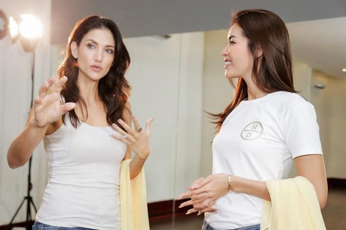 <p> Kết thúc hành trình làm HLV tại Asia's Next top Model mùa 6, Minh Tú gửi lời mời Cindy Bishop sang Việt Nam nhằm có buổi chia sẻ kinh nghiệm.</p>
