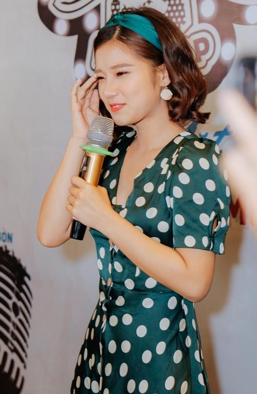 Hoàng Yến Chibi khiến fan phấn khích khi cover Hongkong 1 bản acoustic - 3