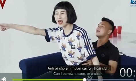Hot boy U19 Việt Nam bị chỉ trích vì chơi gameshow gợi dục