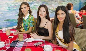 Phương Nga 'cao tay' chọn chỗ đẹp khi chụp ảnh ở Miss Grand International