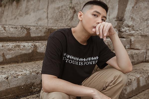 Noo cho biết quá trình quay MV này được thực hiện khá lâu, trước cả khi Noo Phước Thịnh đối mặt với ồn ào bị nhạc sĩ nước ngoài kiện gần đây nên nếu có sự tương đồng chỉ là sự trùng hợp, không phải cố tình PR.