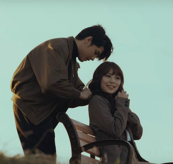 Xuất hiện trọng MV Những kẻ mộng mơcủa Noo Phước Thịnh, cô nàng xinh đẹp người Hàn Quốc đang nhận được sự quan tâm của fan Việt.