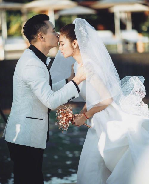 Những sao Cbiz bất ngờ kết hôn khiến fan trở tay không kịp  - 2