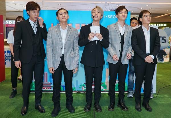 Ngày 21/10, nhóm nhạc Monstar xuất hiện tại sự kiện quảng bá du lịch Hàn Quốc tại Việt Nam ở một trung tâm thương mại TP HCM. Hoạt động diễn ra lần thứ hai tại Việt Nam với sự đồng hành của nhóm nhạc BTS đình đám của xứ kim chi.
