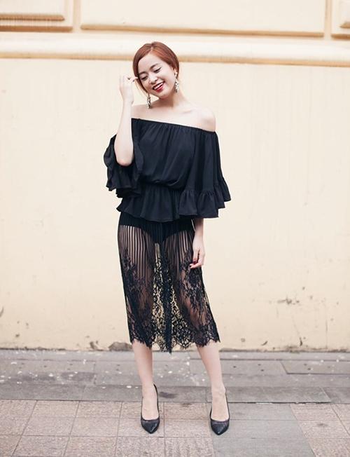 Hoàng Thùy Linh bị chê chọn nội y kém duyên, váy in hình nhạy cảm - 4