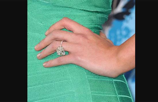 Chủ nhân của những chiếc nhẫn này là ai?