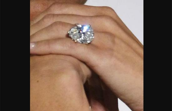Chủ nhân của những chiếc nhẫn này là ai? (2) - 1
