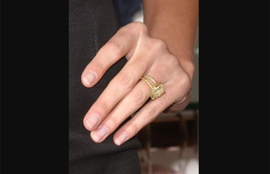 Chủ nhân của những chiếc nhẫn này là ai? - 1