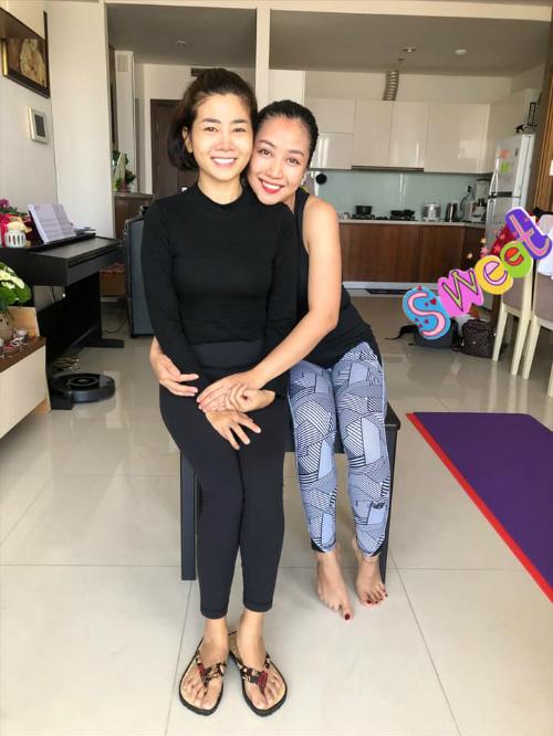 Ốc Thanh Vân sang nhà thăm Mai Phương.