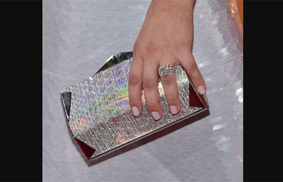 Chủ nhân của những chiếc nhẫn này là ai? - 4