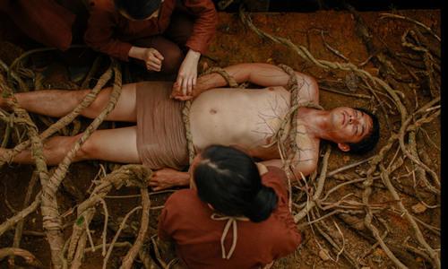 Hậu trường cảnh hiến tế lạ lùng và ma quái trong 'Người bất tử'