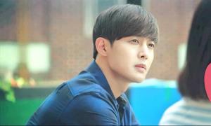 Xuất hiện trong họp báo, Kim Hyun Joong được quan tâm đặc biệt về con trai
