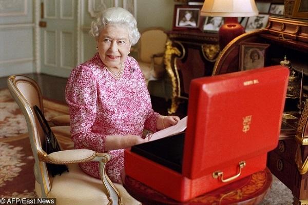 8 bí mật ít ai biết về gia đình Hoàng gia - 4