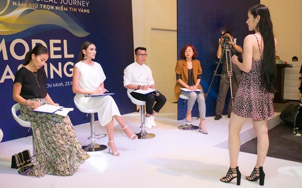 Võ Hoàng Yến cầm trịch buổi casting model cho show diễn.
