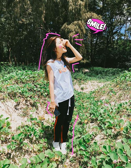Trong khi các người đẹp đua nhau kéo chân để có dáng chuẩn, Quỳnh Châu lại tự dìm bằng bức hình đúng chuẩn cô gái 1,52 m.