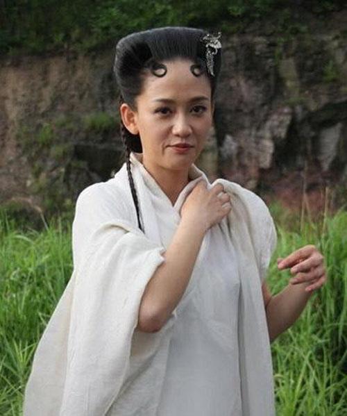Fan của Đông Phương bất bại Trần Kiều Ân đã bật khóc khi thấy hình ảnh này của cô trong bộ phim Nữ nhân của nhà vua.