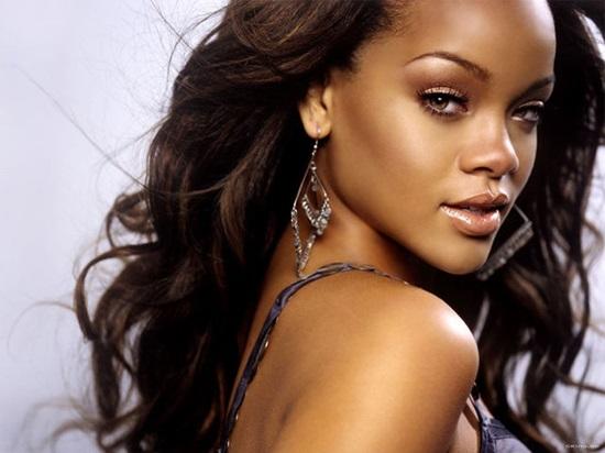 Quê hương của Rihanna, Christiano Ronaldo ở đâu? - 1