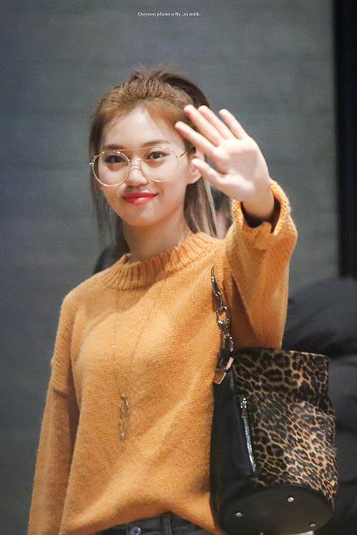 Những nhan sắc đang lên khiến cộng động fan Kpop chú ý - 1
