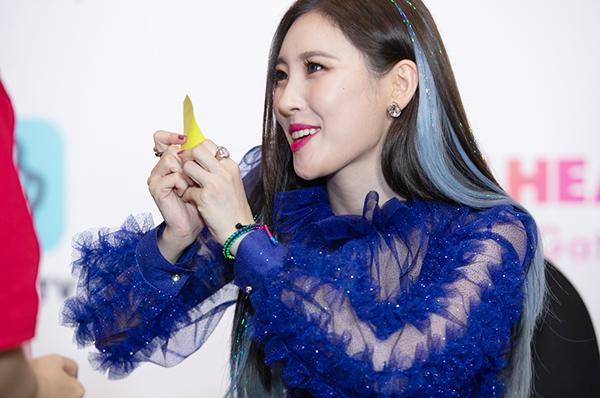 Sunmi đang yêu, Seventeen cool ngầu đốn tim fan trong buổi fan sign - 2