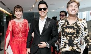 Quế Vân - Việt Anh tình tứ mừng 'con nuôi' Ngọc Sơn debut