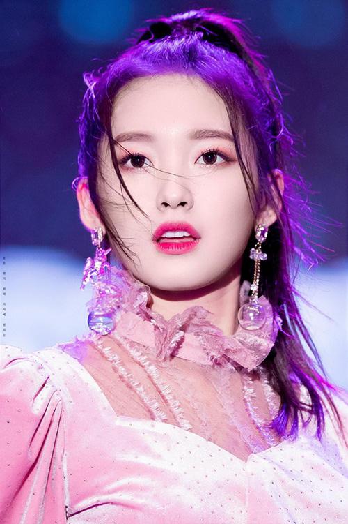 Những nhan sắc đang lên khiến cộng động fan Kpop chú ý - 6
