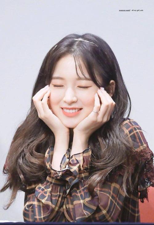 Những nhan sắc đang lên khiến cộng động fan Kpop chú ý - 7