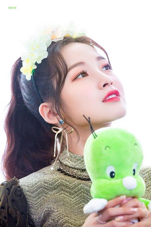 Những nhan sắc đang lên khiến cộng động fan Kpop chú ý - 8