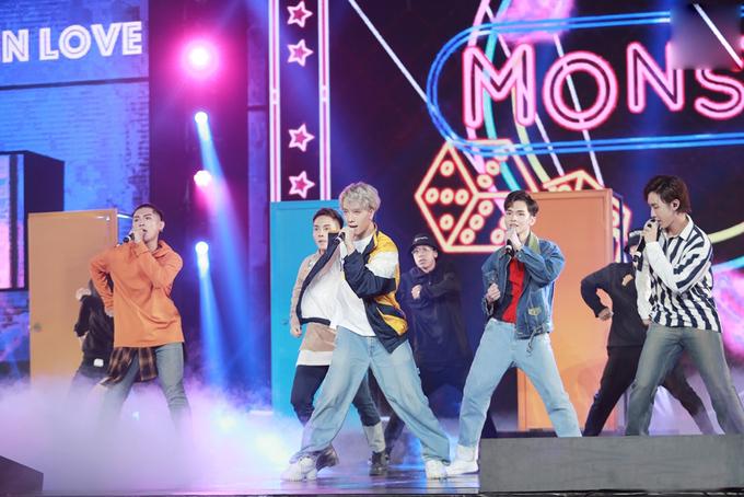 """<p> Monstar với sự góp mặt của thành viên thứ 5 - Zino mang đến màn trình diễn sôi động với """"Nếu mai chia tay"""". Đây là một sáng tác của Grey D - thành viên của nhóm mang màu sắc hiện đại, trẻ trung.</p>"""