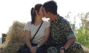 Nụ hôn cực ngọt và thỏa mãn khán giả của 'Hậu duệ Mặt trời'