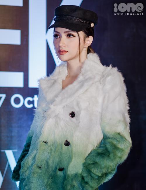 Phía NTK chia sẻ đã chi một số tiền không nhỏ để có sự xuất hiện của Hoa hậu chuyển giới.