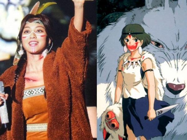 Ji Hyo trông như công chúa của bộ lạc thổ dân khi đóng vai công chúa sói Mononoke.
