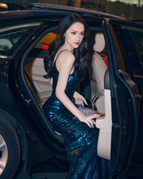 Với thần thái ngày càng đỉnh cao, Hương Giang đang trở thành một trong những Hoa hậu có lượng fan đông đảo nhất Vbiz.