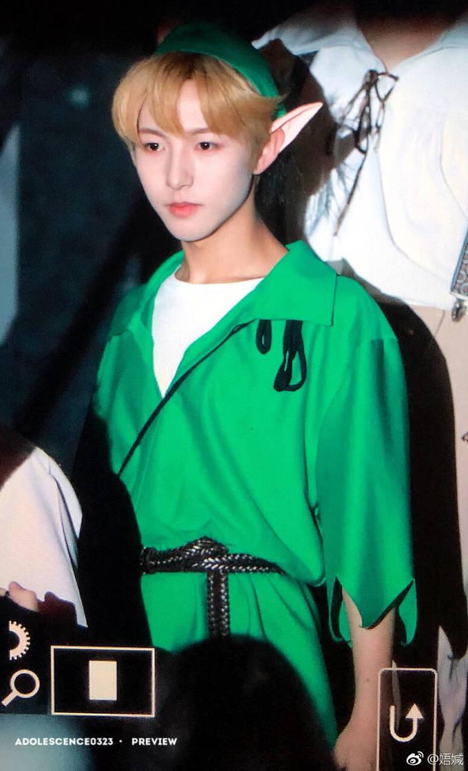 <p> Ren Jun có khuôn mặt trẻ thơ, rất hợp với hình ảnh Peter Pan.</p>