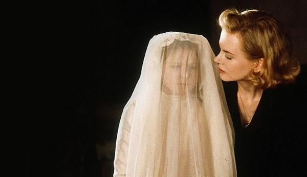 5 phim kinh dị ám ảnh nên xem đêm Halloween - 1